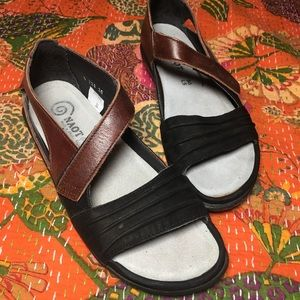 Naot sandals brow and black